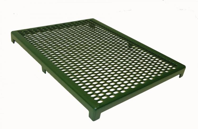 cage floor benefits